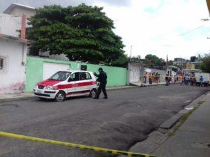 Atacan taxi a balazos_ secuestran al chofer y matan a su acompañante (1)