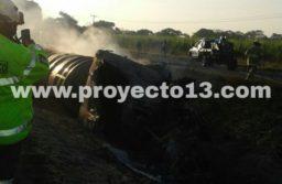 Pipa se incendia en la carretera La Tinaja-Tierra Blanca