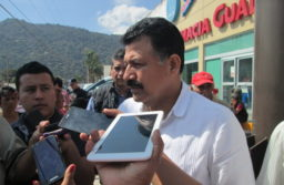 Niega diputado Julio Saldaña nepotismo en nombramiento de delegada de la SEV en Orizaba