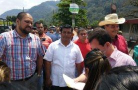Recorre Senador Pepe Yunes, obra de rehabilitación de Tezonapa a Yanga